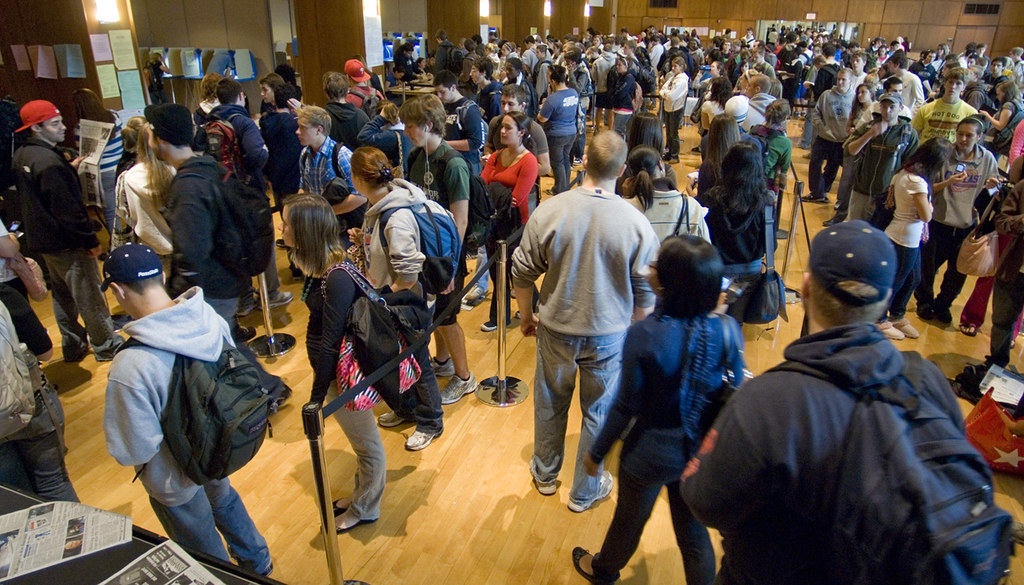 Hundreds of college students in line to vote